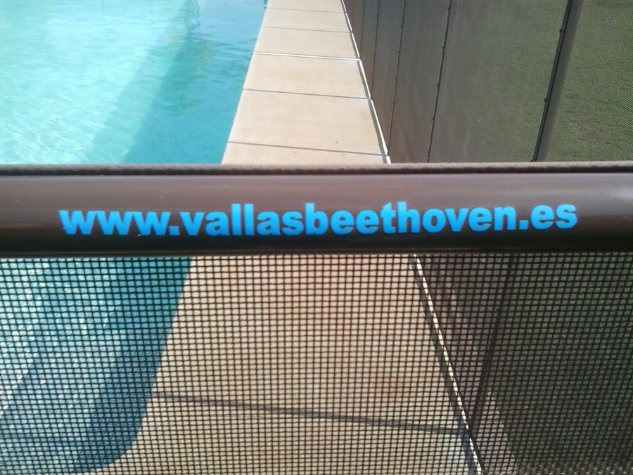 Vallas para piscinas beethoven inicio for Vallas seguridad piscinas